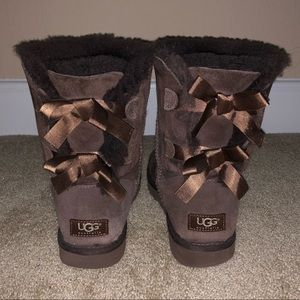 Ugg Bow Boots in Chocolate